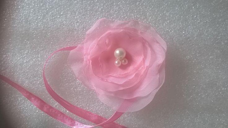 corsage para madrinha cor rosa