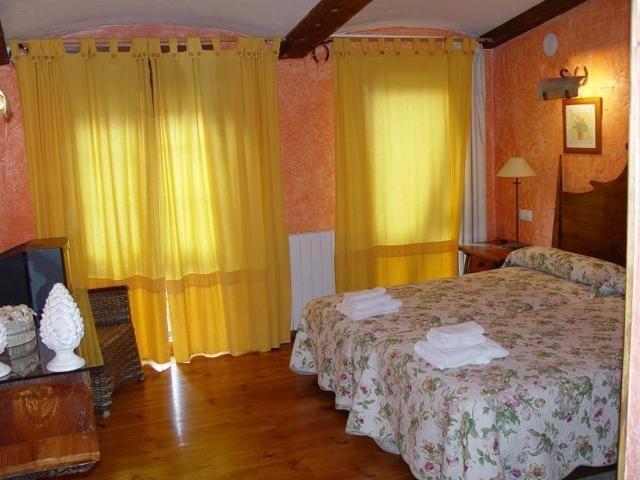 Dormitorio Cava Ribera en las casas rurales Las Cavas