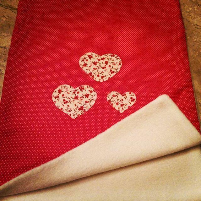 Cobertor bebê dupla face tecido algodão e soft branco!!! Encomende o seu!! #bebe #mantinhadebebe #quartodebebe #bebedecor #friozinhobom #saidamaternidade #enchovaldebebe #maternidade #gravida