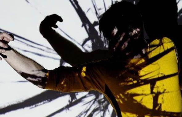 Far East Film Festival. Il Kung Fu in mostra in Italia. Mentre su qualsiasi telegiornale non si faceva altro che parlare delle manovre economiche del politico di turno e dell´imminente apertura al pubblico dell´Expo di Milano, a Udine gli amanti del cinema orientale si riunivano per la 17ma edizione del Far East Film Festival... Continua su http://www.kungfulife.net/blog/far-east-film-festival-il-kung-fu-in-mostra-in-italia/