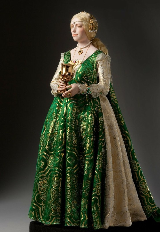 Italian Renaissance Lady Love The Sumptuous Fabric Usage In The