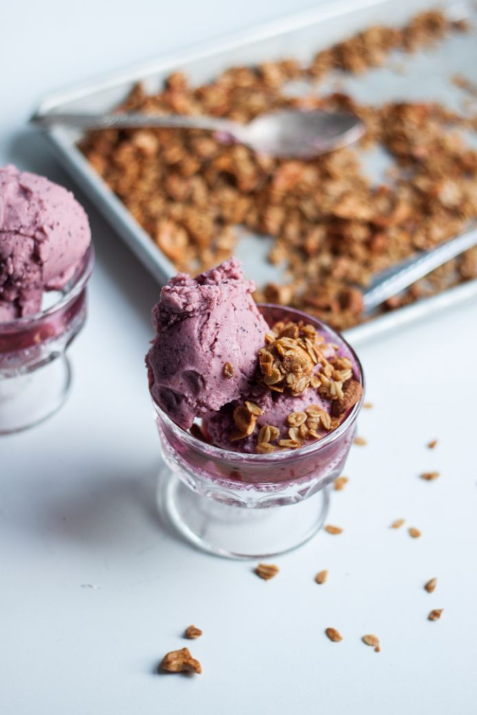 Coconut Berry Cobbler Ice cream recipe with cashew oat crumble granola topping (dairy free, gluten free) via Will Frolic for Food
