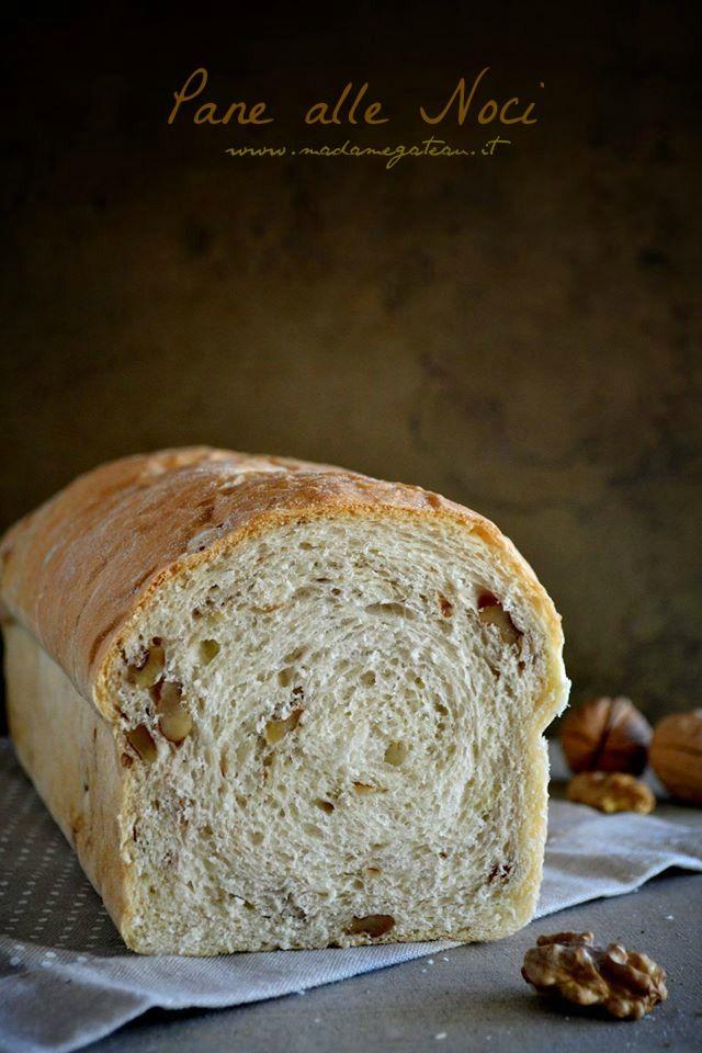 Pane alle Noci, 500gr di farina manitoba 150gr di latte intero 150gr di acqua 18gr di lievito