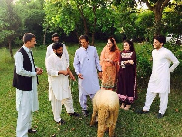 Imran Khan and Reham Khan on Eid Day  Click Here to Watch More Images::http://goo.gl/f9Nr5V