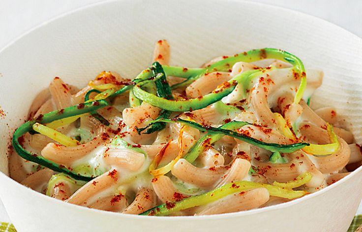 Gramigna integrale con salsa al grana e zucchine