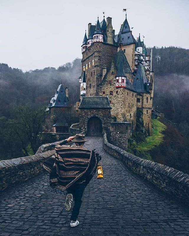 Running Into Another Age Burg Eltz Germany Photo By Ibdansch W Giuliogroebert Castle Travel Travel Route