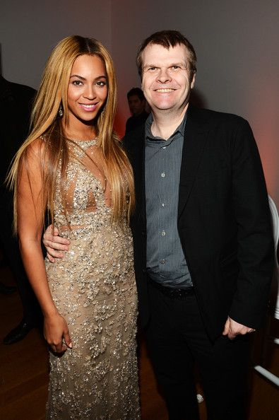 "Beyonce Knowles Photos Photos - (EXCLUSIVE COVERAGE) Beyonce and Chairman and CEO of Columbia Records Rob Stringer attend the after party following the premiere of the HBO Documentary Film ""Beyonce: Life Is But A Dream"" at Christie's on February 12, 2013 in New York City. - HBO Documentary Film ""Beyonce: Life Is But A Dream"" New York Premiere - After Party"
