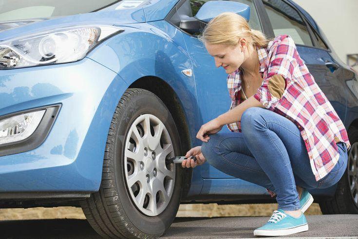 車のタイヤ空気圧 点検してますか 重要性や手順 頻度について解説 暮らしの知識 オリーブオイルをひとまわし Best Tyres Car Maintenance Tired