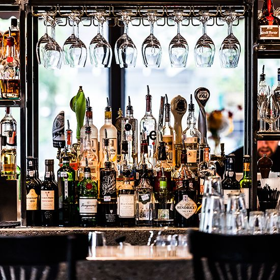 Best Bars in America    With star bartenders, expert cocktails and cool designs, these destination bars make key nightlife stops in cities a...