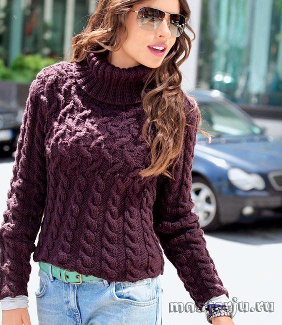 Бордовый свитер с косами