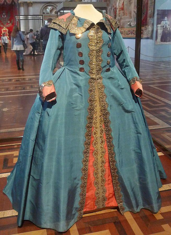 платья времен екатерины фото