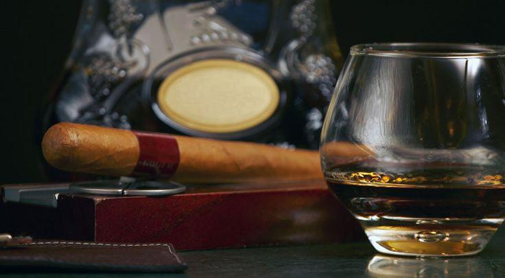 Wat is er niet al over whisky gezegd? In dit artikel duiken we in opvallende en interessante quotes en gezegden over whisky van bekende whiskyliefhebbers.