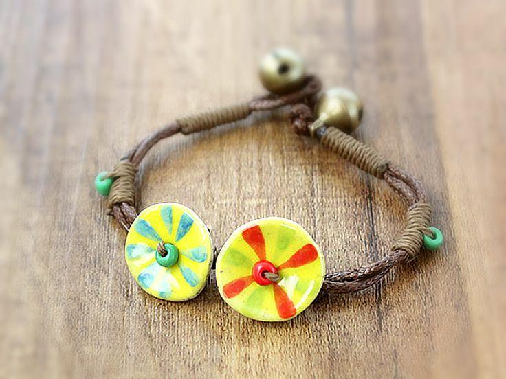 LOTUS Keramik Blume Hippie Armband 70er retro gelb von Kleines Karma - Natur & Trend Schmuck, Ketten & Colliers, Uhren, Accessoires und Geschenke aus Berlin auf DaWanda.com