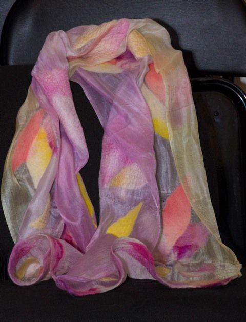 Недлинный шарф. Натуральный шелк, шерсть.