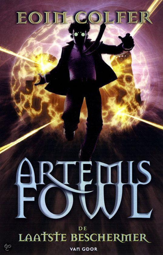 Eoin Colfer - De laatste beschermer (Artemis Fowl 8) || Opal Koboi heeft elf dode elfenkrijgers tot leven gewekt. Hun geesten hebben bezit genomen van Artemis' broertjes. Artemis heeft tot zonsondergang de tijd om zijn broertjes en de wereld te redden. || http://www.bol.com/nl/p/de-laatste-beschermer/9200000005540364/#