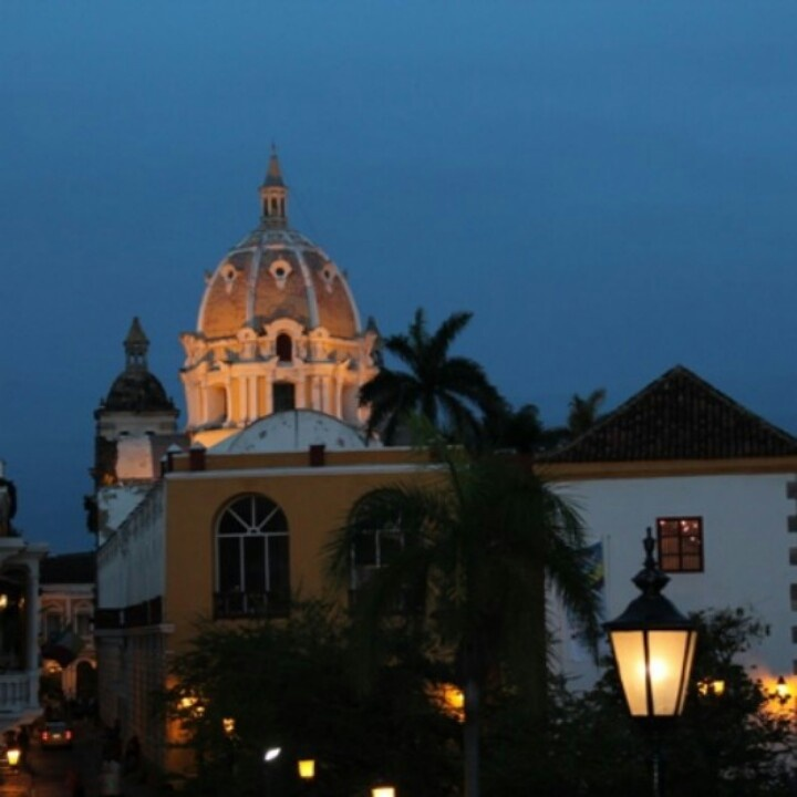 #CartagenaDeIndias @ #Colombia is a beautiful tropical paradise, where have much colors, sounds and flavors. Enjoy!