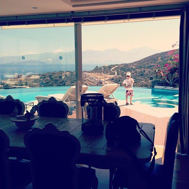 Hey guys! Here i am! #EloundaGulfVillas #Crete #Summer #FamilyHolidays Photo credits: @lenaparus