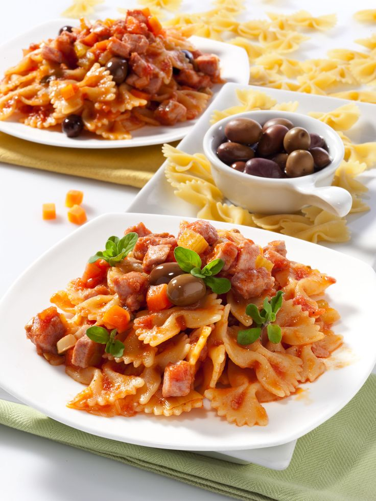 spicy tuna and tomato sauce with fettuccine recipe dishmaps spicy tuna ...