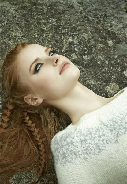 "Vol 3: Modell 3 ""Ingrid"" #LeilaHafzi #SandnesGarn"