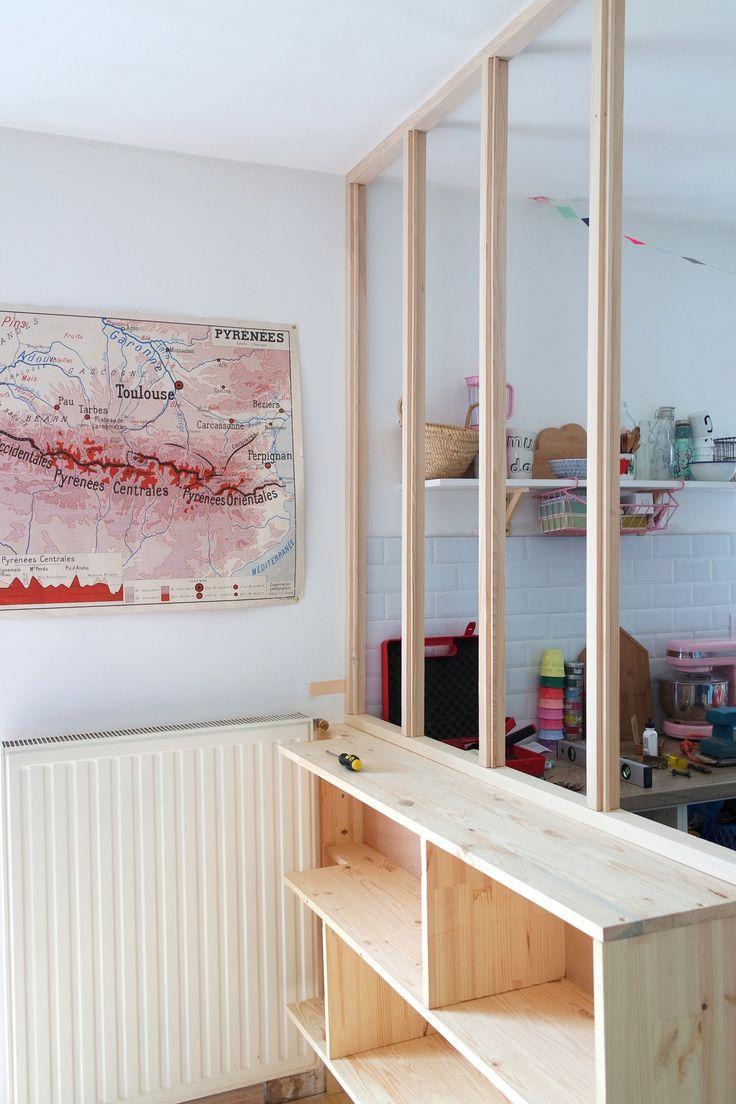 En emménageant dans cette maison, j'ai tout de suite imaginé une verrière d'atelier pour séparer ma cuisine de...