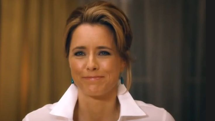 'Madam Secretary' starring Tea Leoni - whom I have always had a soft spot for - premieres on Channel 10 tonight. My own caption for the TV show: 'She That Wears The Classic White Shirt Rules The World!'. Her first orders of business? Collar up, cuffs back! xo