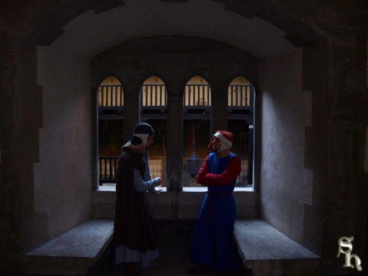 De Middeleeuwen waren ook een tijd van intrige.. Wat zouden deze mannen bespreken?