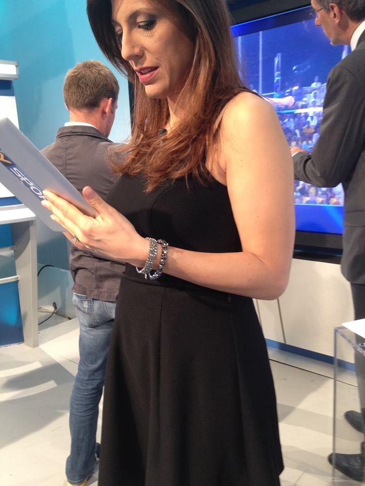 """Ancora una liaison tra la conduttrice Sara Benci del programma sportivo """"Benedetta Domenica"""" in onda su Sky e i gioielli Luca Barra! #sky #sport #sarabenci #benedettadomenica #lucabarragioielli"""