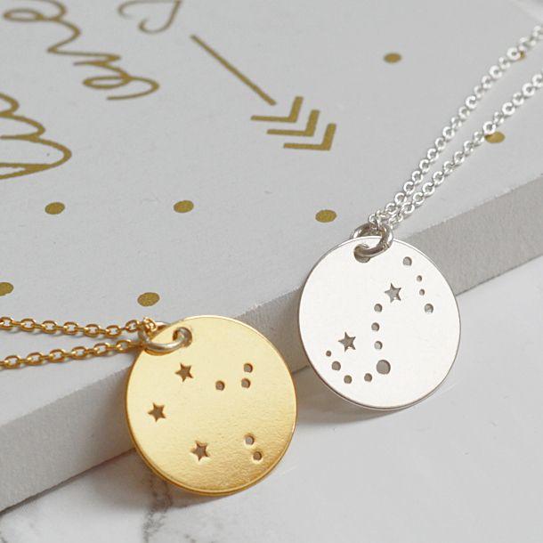 Biżuteria ze znakiem zodiaku. Zobacz na: https://laoni.pl/bizuteria-ze-znakiem-zodiaku #znakizodiaku #biżuteria #naszyjniki #bransoletki #zawieszki
