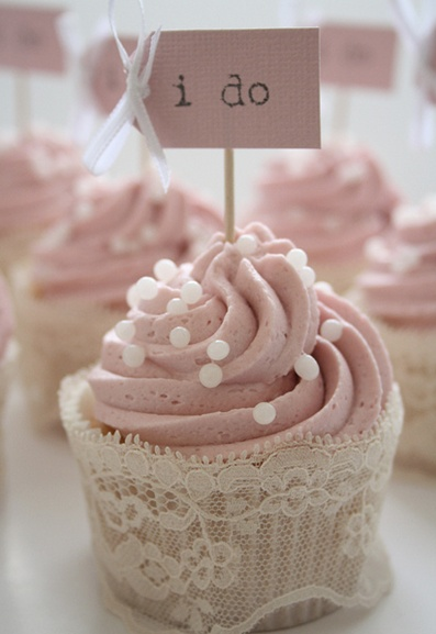 bridal shower?Shower Ideas, Wedding Shower, Cupcakes Liner, Engagement Parties, Wedding Cupcakes, Bridal Shower Cupcakes, Cupcakes Holders, Bridalshower, Cupcakes Wrappers