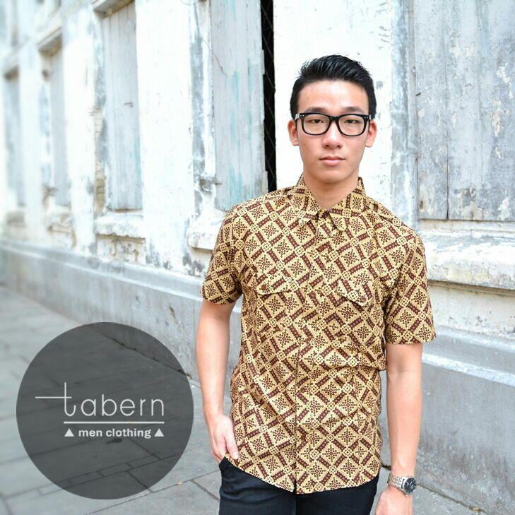 Type: Oz Size: M, L, XL  #batik #slim #men #pria #casual #baju #outfit #kemeja #kemejapria #atasan #batikpria #batikslim #batikfashion #fashion #top #jual #menstop #indie #limited #tidy #nerd #looks #young #style #stylish #gaya #muda  visit instagram: @tabern_clothing