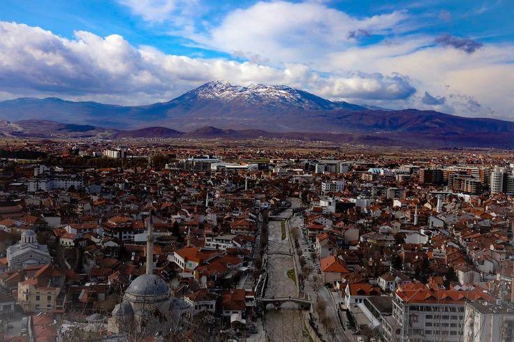 Lumturinë e ke këtu dhe tani! Përse të presësh të nesërmen? Jetoje të tashmen në çdo çast. Vise të mrekullueshme presin ti zbulosh - një liri që vetëm jeta mund ta falë. J. Donald Walters #prizren #kosova #theprizren #kosovo #ig_kosova
