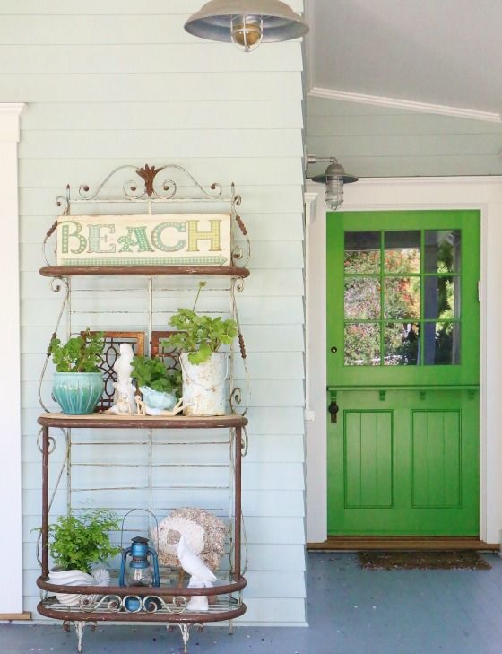 Front Porch Spring Refresh Via The Glamorous Housewife