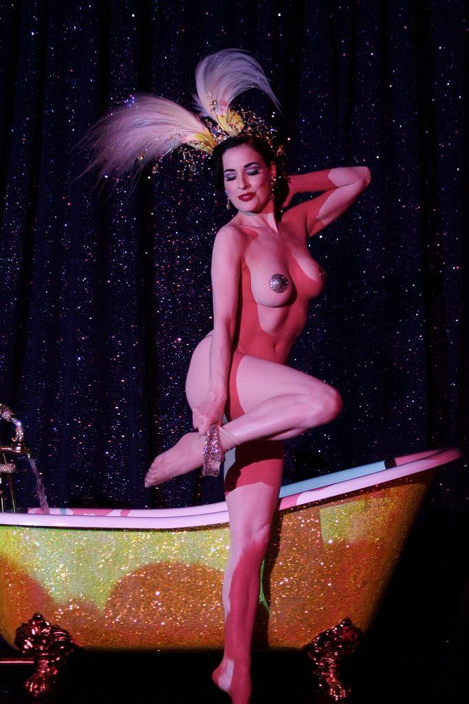 Burlesque strip nude