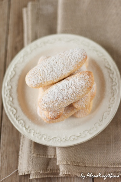 Savoiardi Recipe (AlenaKogotkova) - homemade Italian biscuits used in trifles, charlottes, and tiramisu. Scroll down for recipe in English.