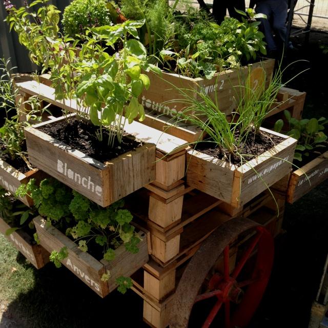 La diligence potag re un concept original de jardins for Cobertizo de plastico para jardin