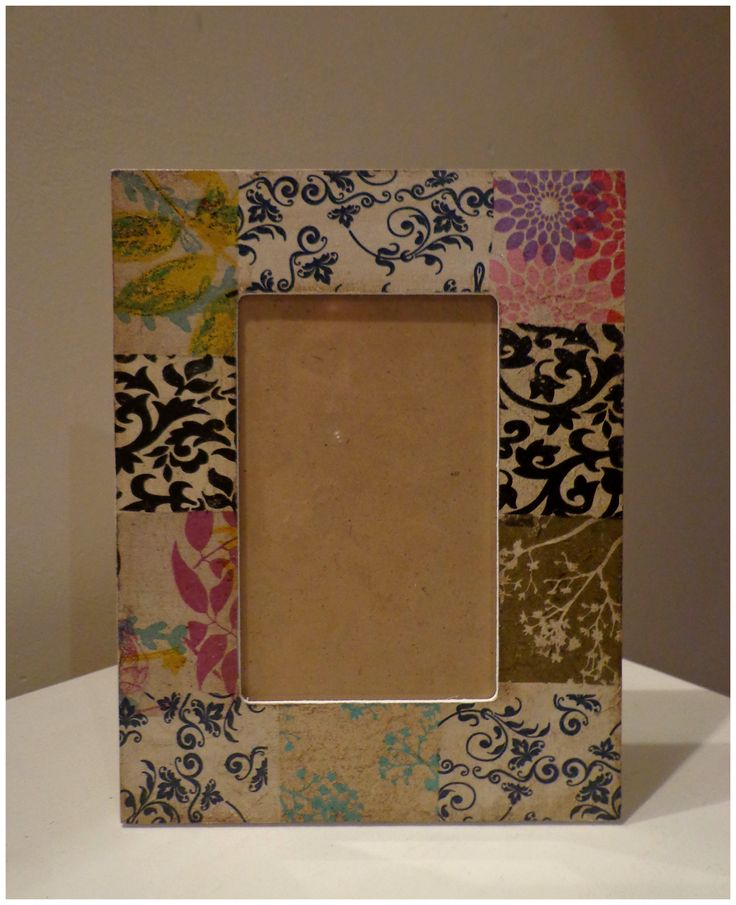 Portarretrato inspirado en Patchwork hecho con decopupage- Photo phrame with patchwork inspiration.