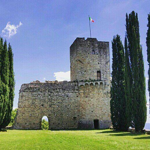 The wonderful Castello di Romena near Arezzo  #CastelloDiRomena #Pratovecchio #Casentino #Arezzo #Toscana #IgersCasentino #IgersArezzo #IgersToscana #volgoarezzo #volgotoscana #volgoitalia #vivotoscana #wonderful #place #art #love #instamood #instacool Photo credit: @filippogabu