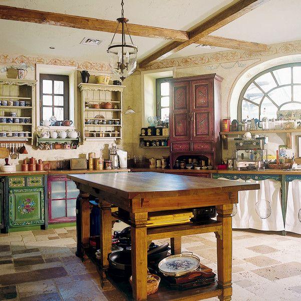 Кухня в загородном доме Юлии Высоцкой - Woman's Day