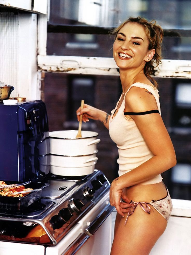 Drea de matteo more sexy women at http sexy calendars for Naked in kitchen pics