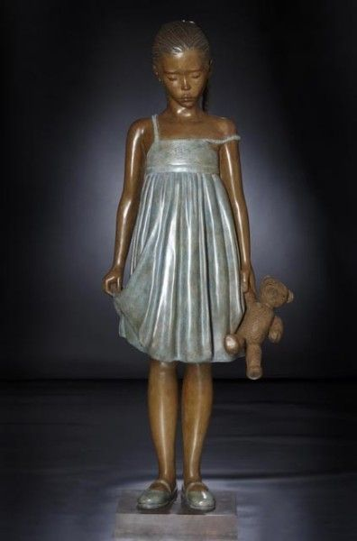 Marie-Paule Deville-Chabrolle 1952.... A little woman. Too beautiful not to pin.