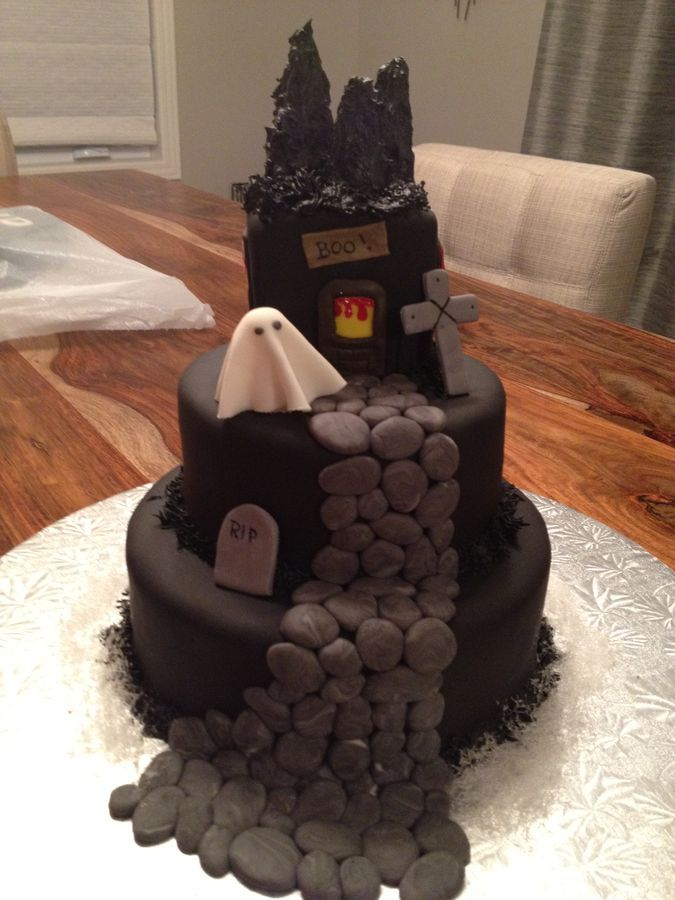 17 Best Ideas About Haunted House Cake On Pinterest