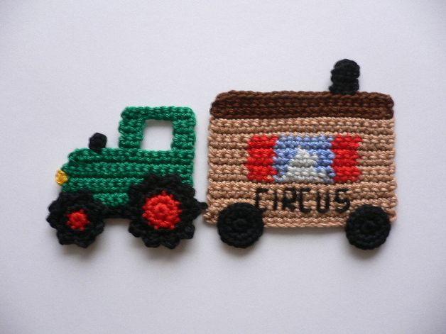 Traktor mit Circuswagen - Häkelapplikation