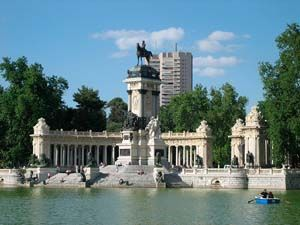 Top 10 Things to See in Madrid. Parque Del Buen Retiro