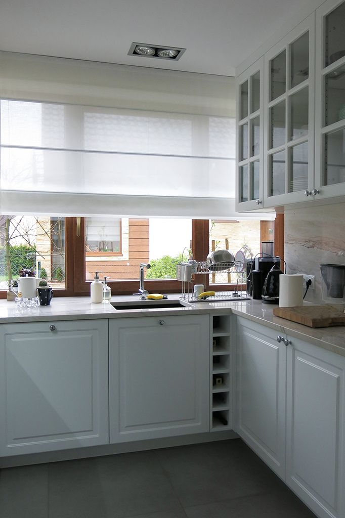 #styleathome #roleta #roletarzymska #biała #kuchnia #tkanina #tkaninydekoracyjne #dekoracje #dekoracjeokienne #dekoracjetekstylne #aranżacja #szycienazamówienie #szycie #szycienamiare #projekt #okna #wnetrza #projektowaniewnetrz #projektowanie #styl #warszawa  #blinds #romanblinds #kitchen #interior #interiordesign #window #fabric #home #homedecor