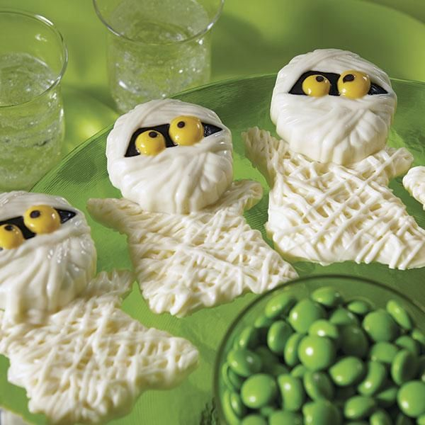 make store bought sandwich cookies spooky sweet this halloween by using wilton candy melts candy