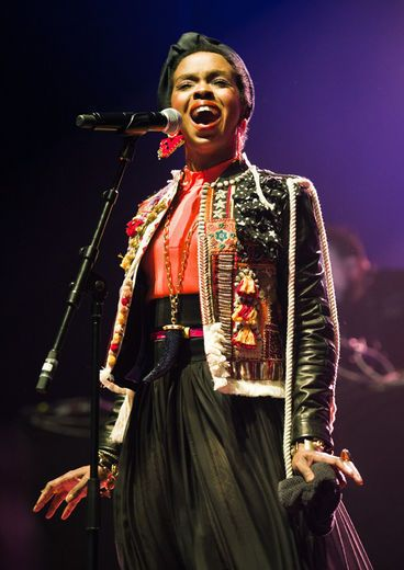 """Lauryn Hill ...love this look - it's like """"eccentrichic"""" ...(yes I just made up a word)"""