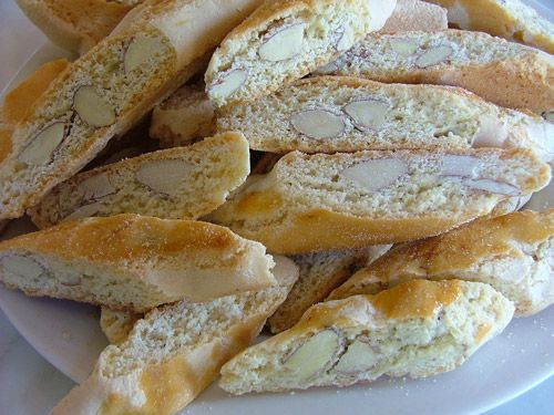 This almond biscotti recipe is our Italian grandmothers homemade biscotti Cantuccini recipe and makes wonderfully moreish Tuscan biscotti: simply the best biscotti recipe for almond biscotti.