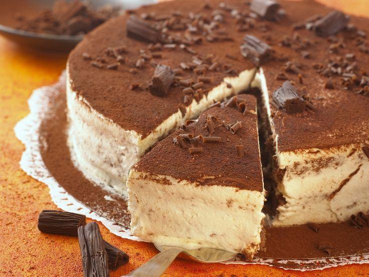 Sündhaft leckere Tiramisu-Torte | http://eatsmarter.de/rezepte/tiramisu-kuchen