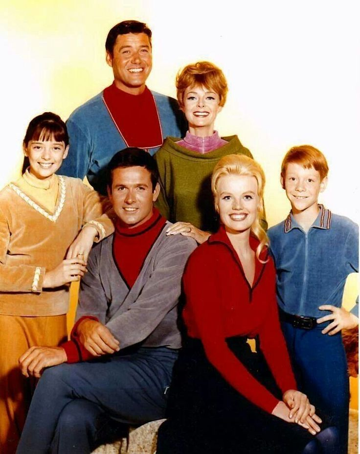 Lost in Space, with Guy Williams, Mark Goddard, Angela Cartwright, June Lockhart, Bill Mumy and Marta Kristen, 1965-68