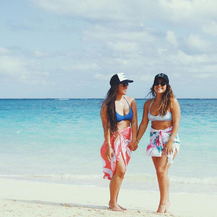"1,339 Me gusta, 24 comentarios - Cara Ku'ulei (@carakuulei) en Instagram: ""🎉 Happy Birthday Big Sister! 🎉 ⠀ You are my best friend, my biggest fan, my rock, my anchor -…"""